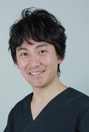 神戸市東灘区の歯医者さん、御影歯科クリニック院長 秋山博道